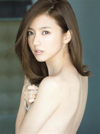 【画像】真野恵里菜さん、今までにない最高露出度2