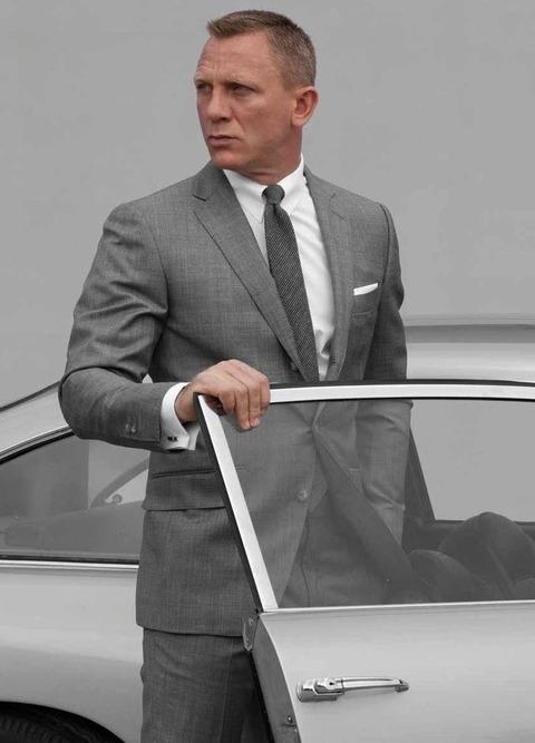 スーツ ダニエルクレイグ