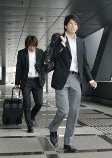内田篤人 スーツ