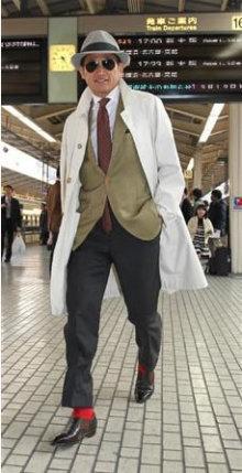 カズ スーツ