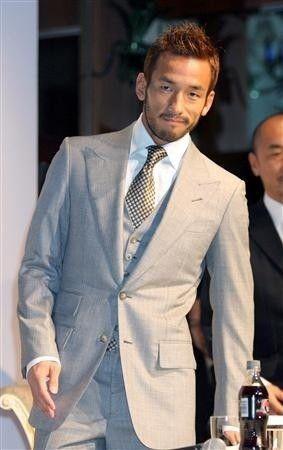 中田英寿 スーツ