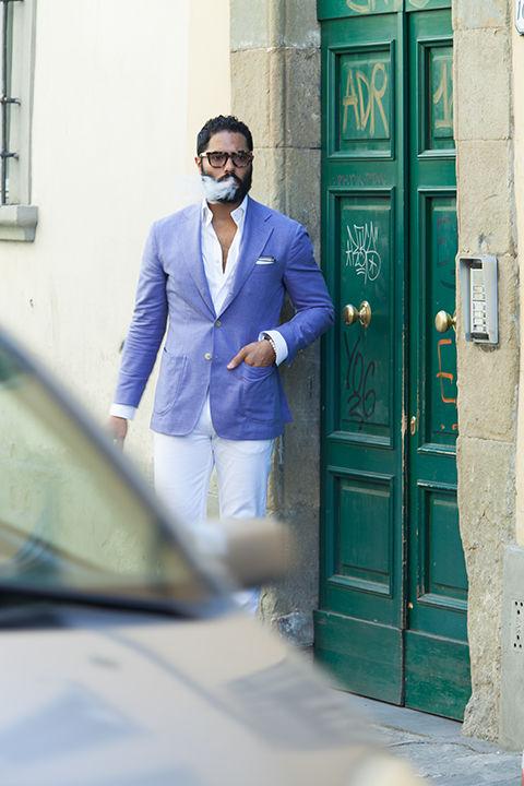 ホワイトパンツ 着こなし