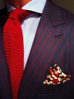 Vゾーン 赤色ネクタイ