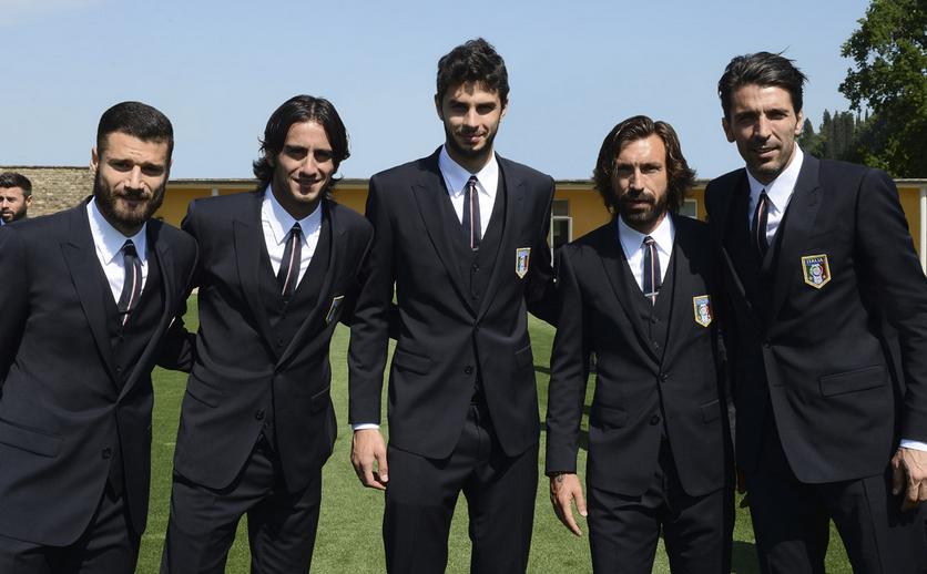 サラリーマンのスーツ 着こなし術サッカーイタリア代表のスーツ姿が格好よすぎてモデルの様な件コメントトラックバック