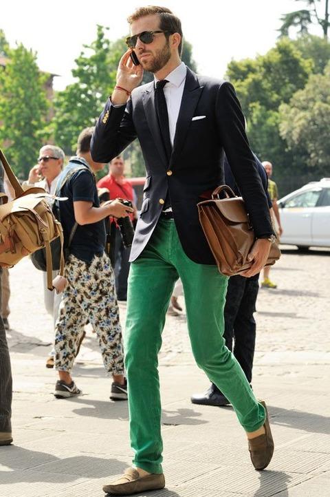 グリーンパンツ 着こなし