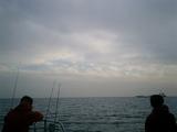 雲の間から青
