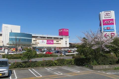 1024px-Aeon-Mall-Okazaki-4
