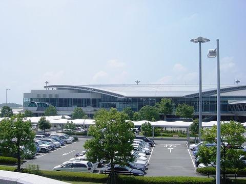 1024px-広島空港01
