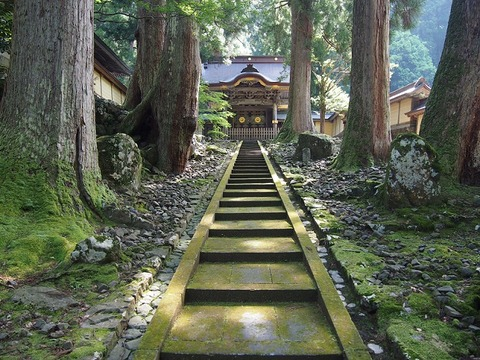 永平寺(Eiheiji)の勅使門