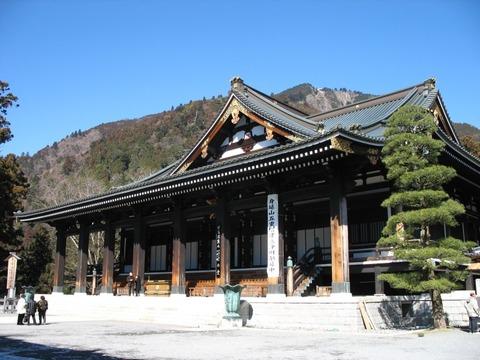 Kuonji-temple-Hondou