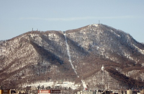 1024px-Moiwa_Mountain_in_Sapporo_in_2009