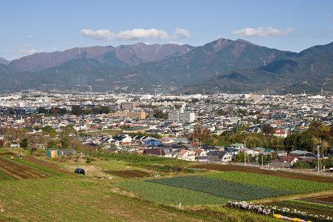 1280px-Hadano_Basin_from_Shibusawa_Hill_Range_08