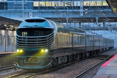 Twilight_Express_Mizukaze_test_run_Saijo_Station_20170408