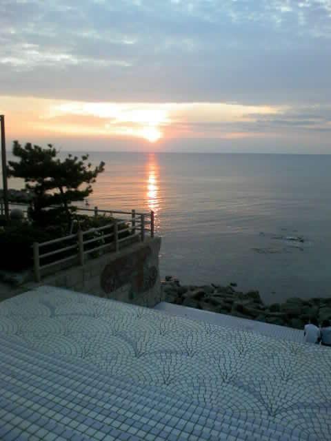 Sunset_at_Sasagawanagare_in_Niigata_prefecture_in_Japan