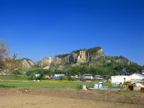 1024px-Iwafune_Mount_Iwafune_1