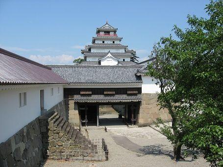 Aizuwakamatsu_Castle_03