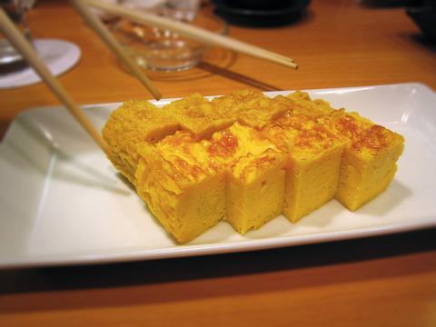 Tamagoyaki_by_naotakem_in_Tokyo