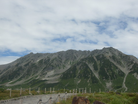 Three_mountains_of_Tateyama