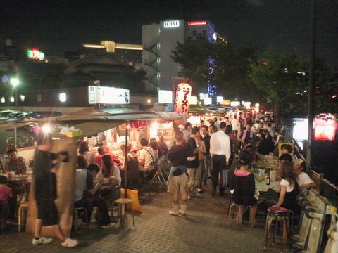 Nakasu-yatai