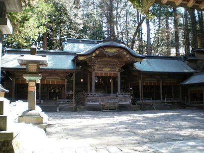 諏訪大社本宮拝殿