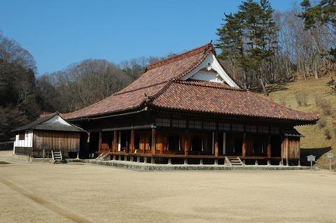1280px-Shizutani_school_the_hall_and_shosai