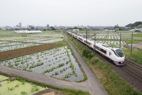 1280px-Joban_Line_in_Tsuchiura_City_01