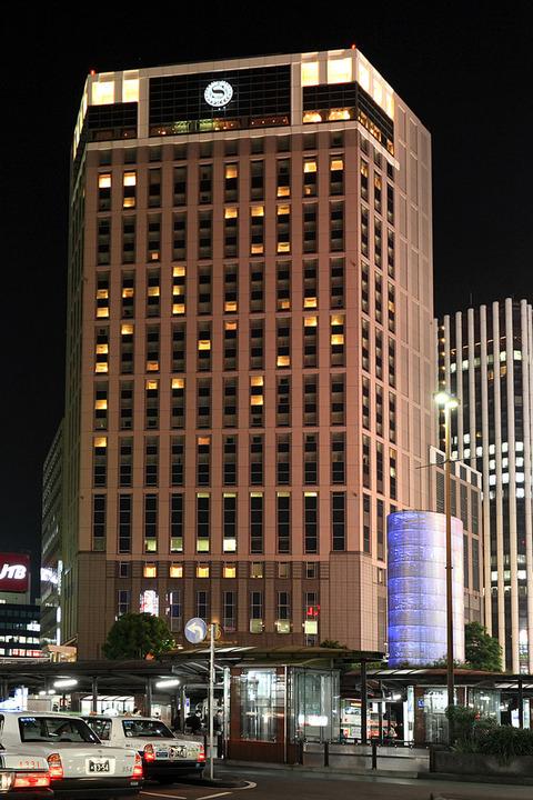 800px-Yokohama_Bay_Sheraton_Hotel_&_Towers_001