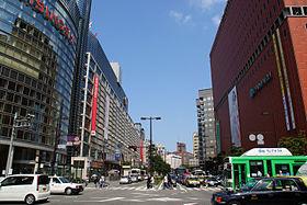 280px-Fukuoka_City_-_Watanabe-dori_Avenue_-_01