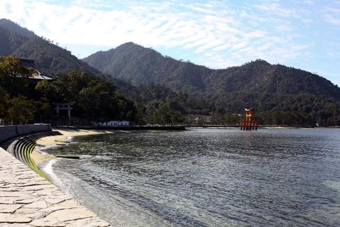 Itukushima_(Miyajima)_02