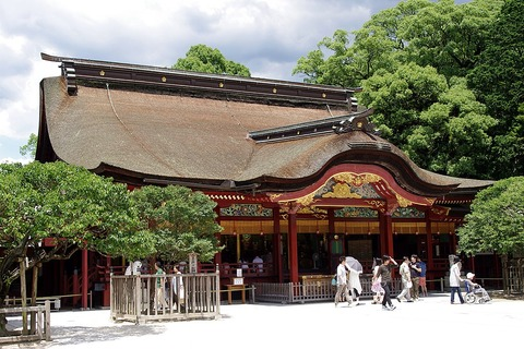 1024px-20100719_Dazaifu_Tenmangu_Shrine_3328