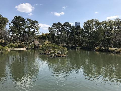 Takueichi_Pond_in_Shukkei_Garden_19