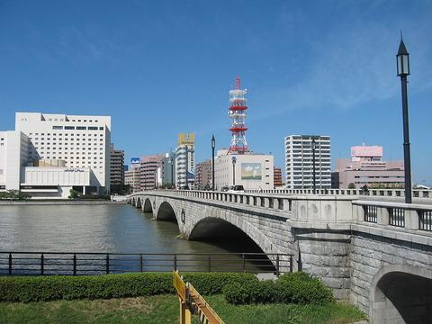 1024px-Bandaibashi-Bridge_20130929