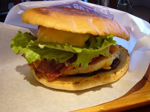 The_Sasebo_burger_made_at_The_Logkit