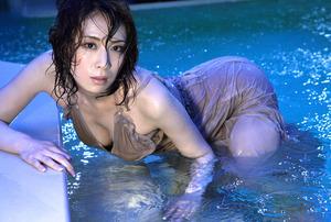 雛形あきこ (35)