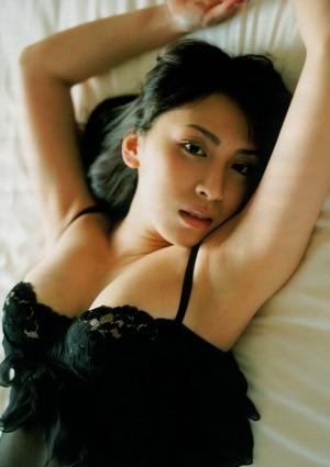 雛形あきこ (20)