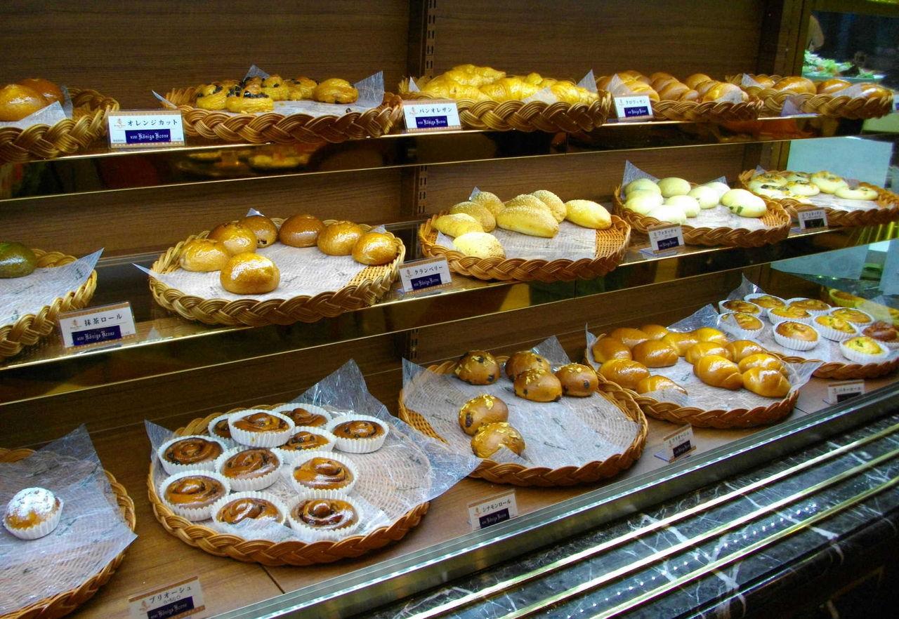 京都・町家ぐらし : パンもケーキも食べ放題の朝