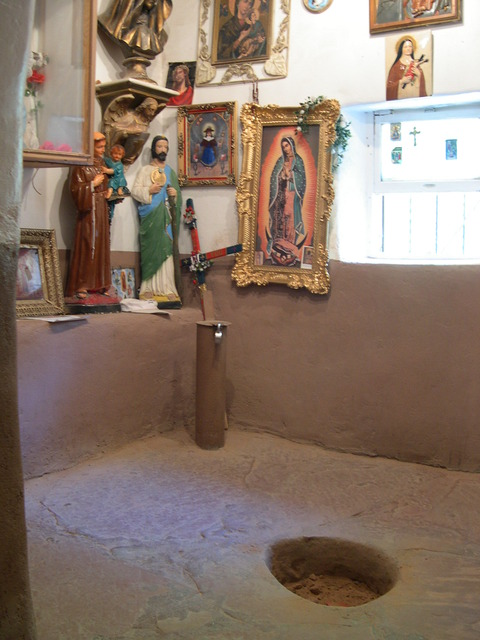 El_Pocito_(Little_Well)_showing_hole_containing_blessed_dirt