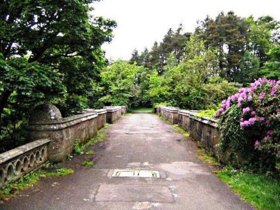 オーヴァートン橋Overtoun-Bridge3-550x412