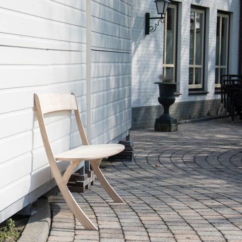空気椅子なベンチ5