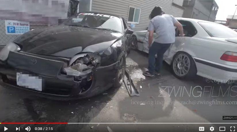YouTube動画の撮影中にE36 M3が路駐の80スープラに激突してしまう珍プレーwwww