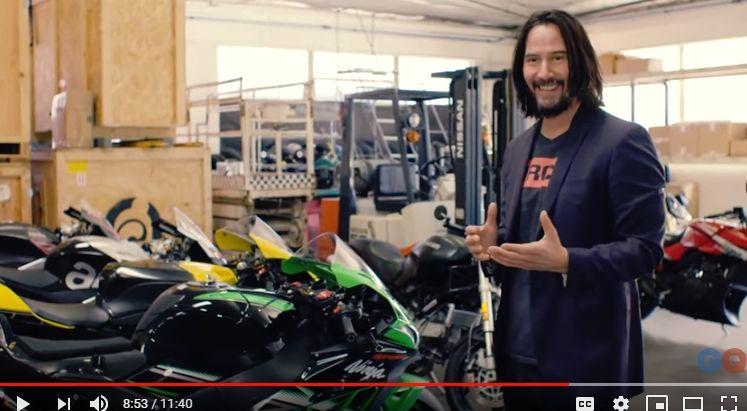バイク好きで知られるキアヌ・リーブスのサーキット用愛車はZX-10Rらしい。