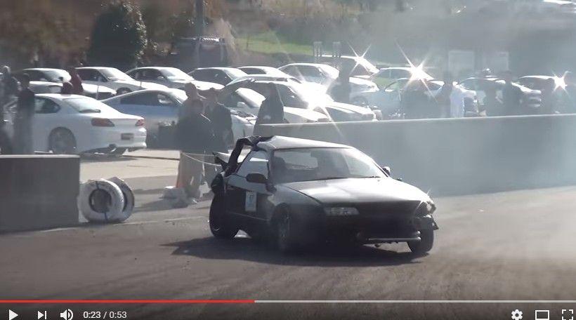【動画】ドリフトで運が悪すぎる一発廃車のクラッシュ…壁の切れ目にリアからヒットし大破www鈴鹿ツインサーキット