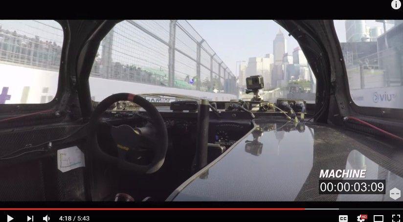 人間 vs ロボカー!女性リポーターとAI搭載の自律運転レーシングカーがラップタイムバトル!!