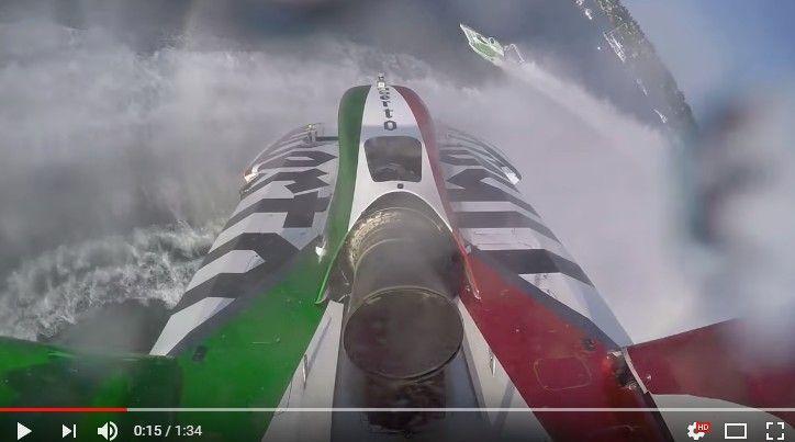 パワーボートが水柱に乗り上げ宙を舞っちゃう瞬間!オンボード&事故シーン