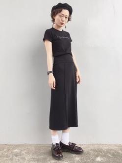 白ソックスコーデ 黒のIライン ドレスシューズ