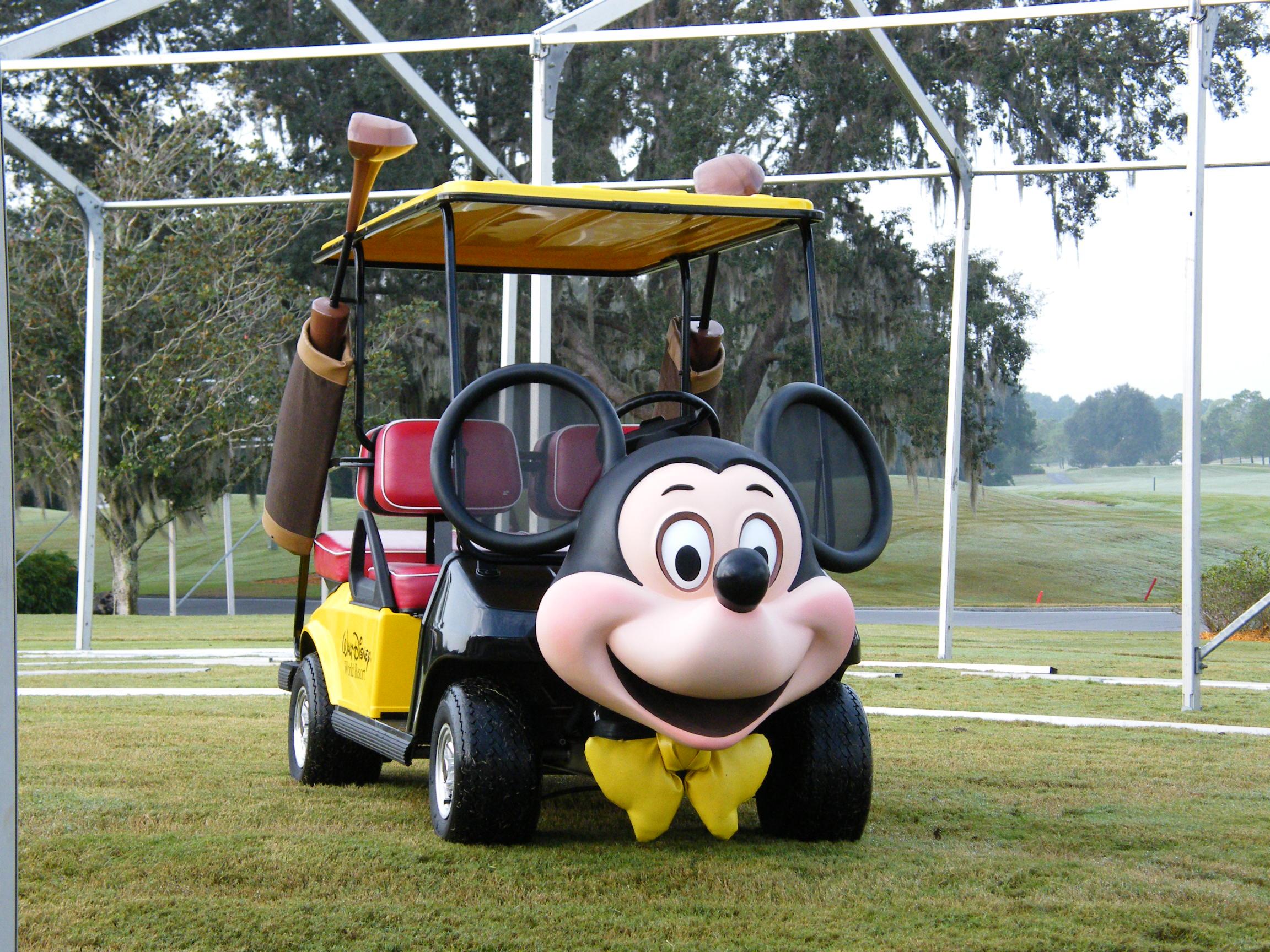 【番外】海外にもあった!?ミッキーカートに乗れるゴルフ場
