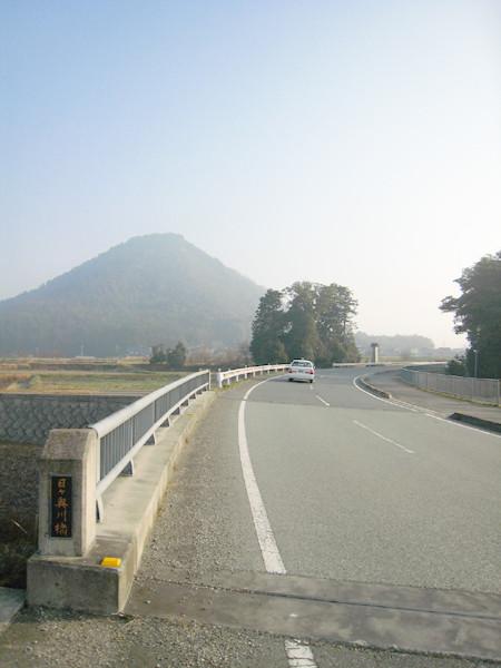 丹波の富士 「小富士山」 丹波市春日町多利