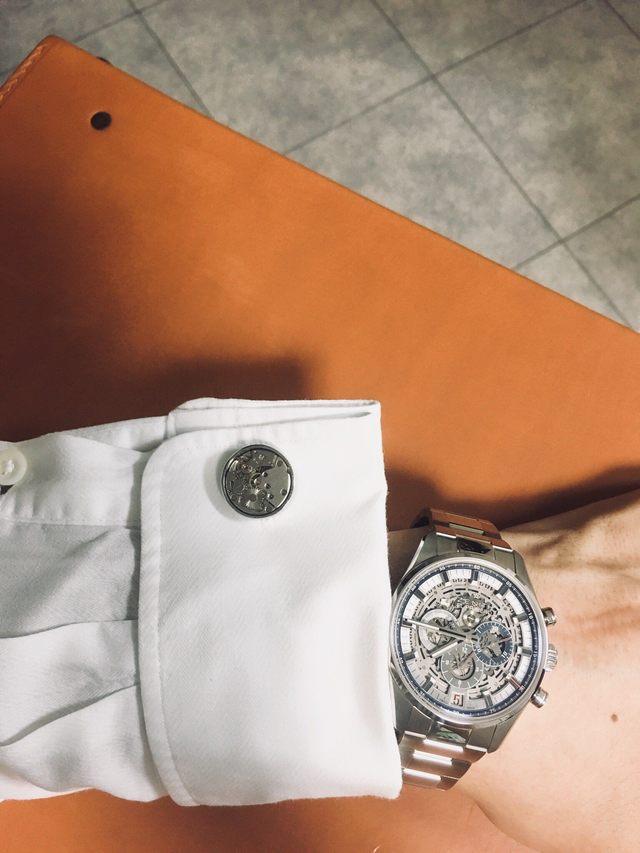 ワイの腕時計カッコよすぎワロタ
