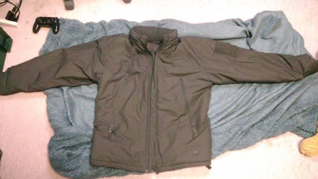 カッコいい上着買ったから評価してくれ‼WWWW 【画像】