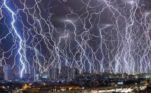 【艦これ】雷よ!連休中の等々な落雷に気をつけるのよ! 夜の雷スレ